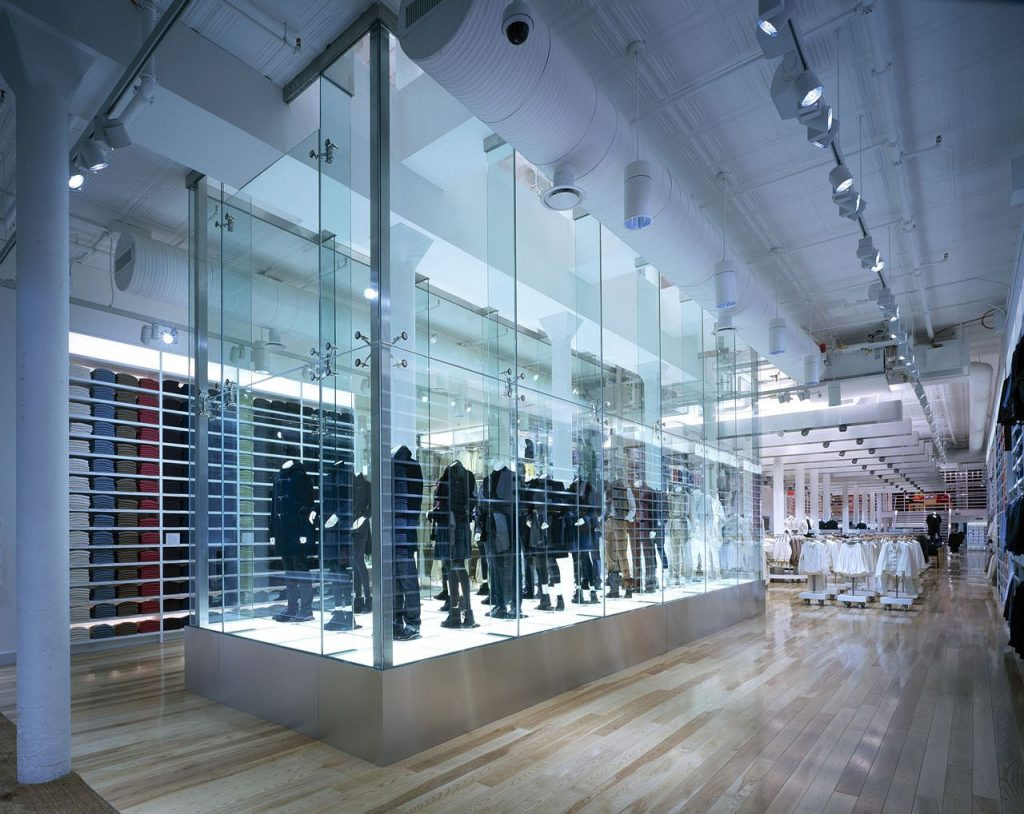 UNIQLO Shop 2