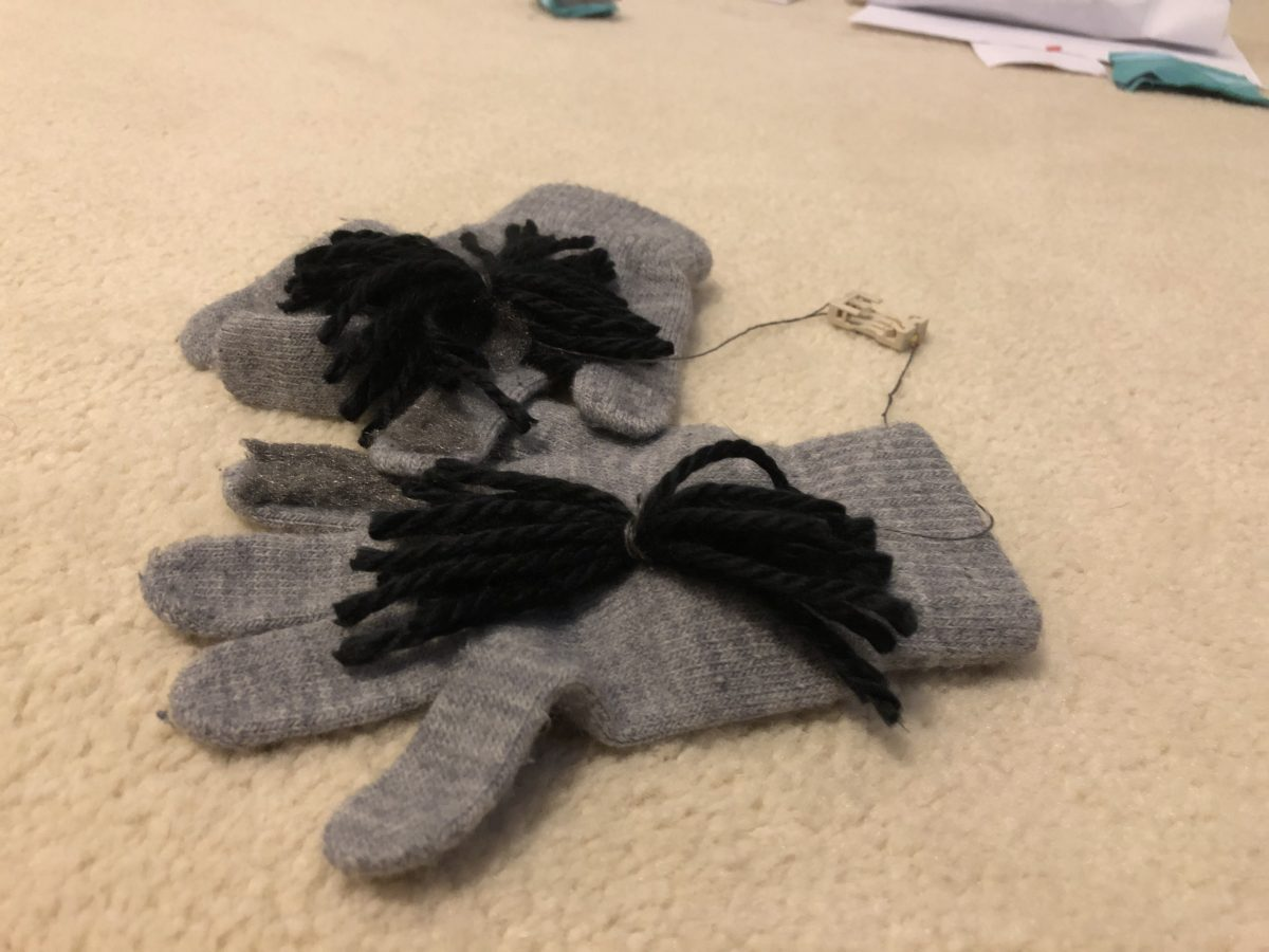 Conductive Pom Pom Gloves