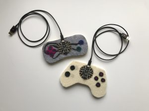 feltedgamecontrollers_sbl_01