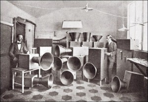 russolo_intonarumori_1919