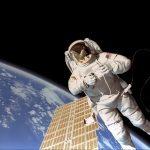 astronaut_repairing_a_satellite_1920x1080