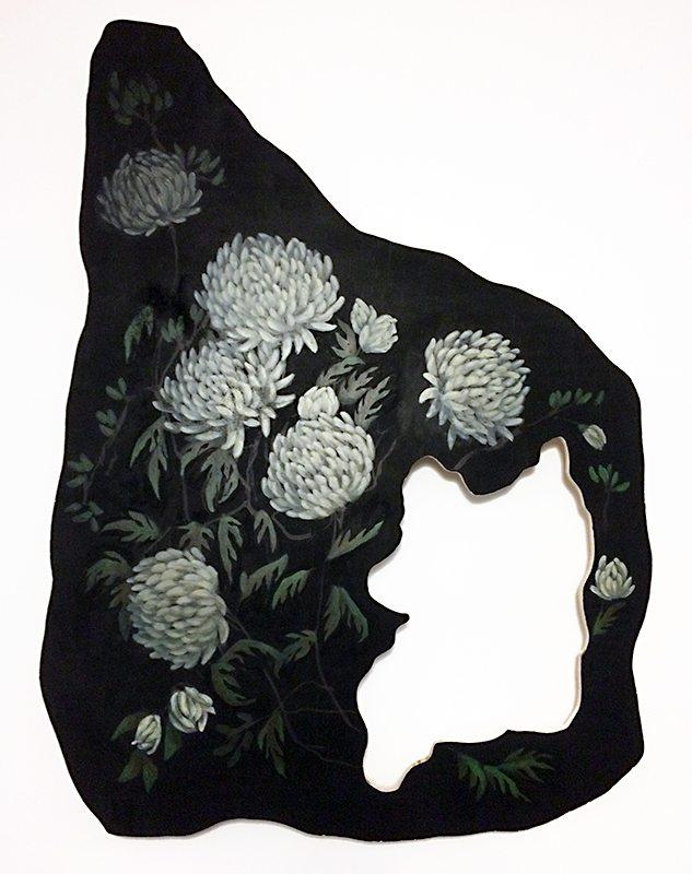 woman-in-chrysanthemum-forest-under-full-moon_blog_
