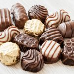 chocolate-confectionery-close-up-desk-40986303