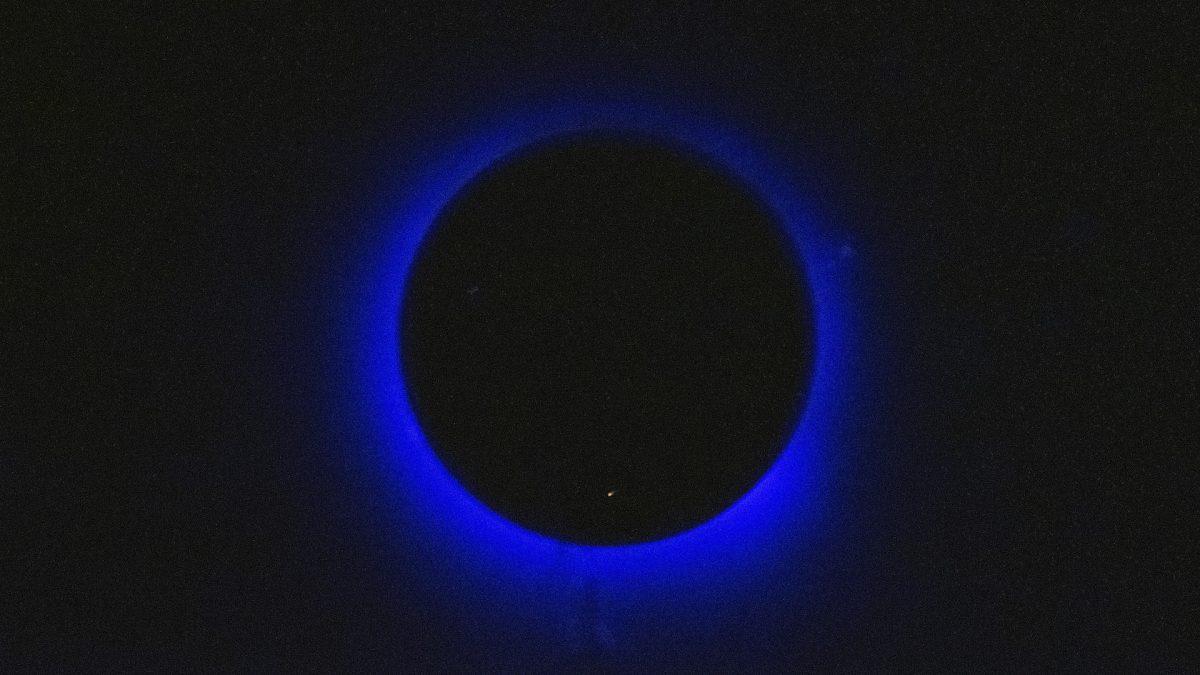Experiment 3: Blue Moon